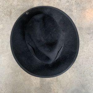 Peter Grimm Felt Hat in Black